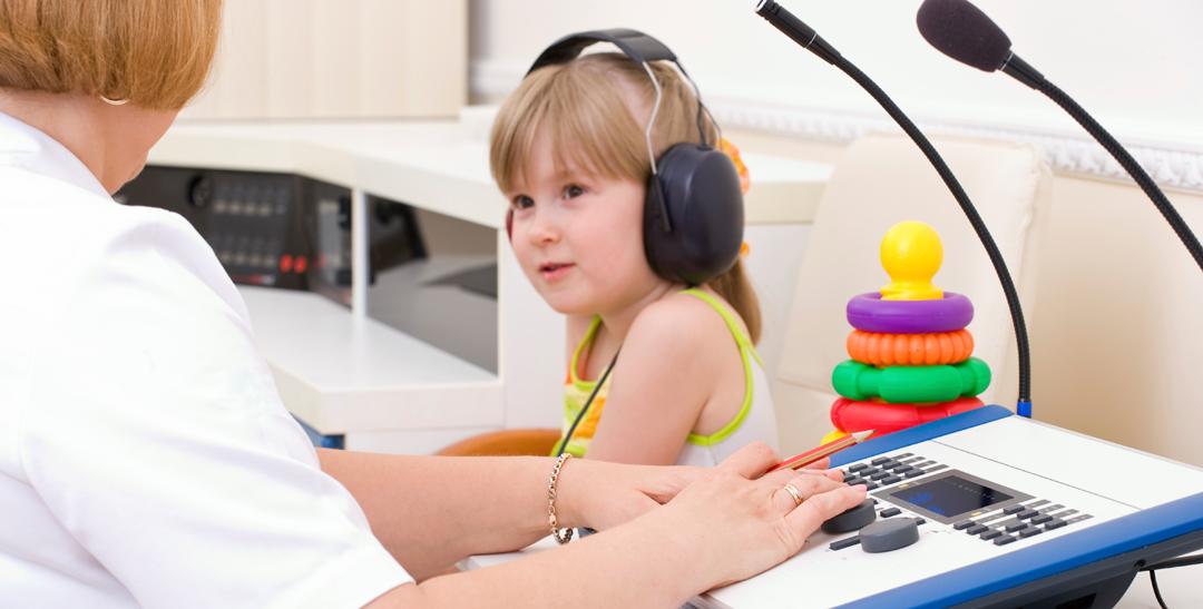 girl_children_hearing_test